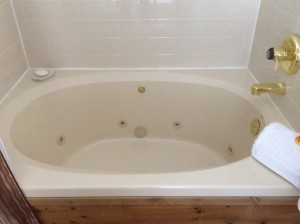 Old Whirlpool Tub in Alleghany Room